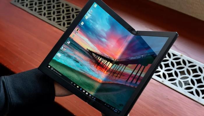Lenovo, dünyanın ilk katlanabilir ekranlı dizüstü bilgisayarı